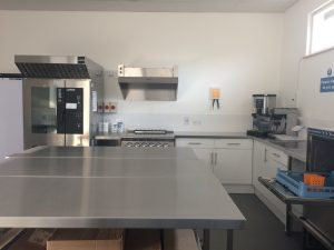 picture of the kitchen